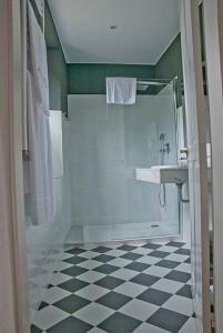 Baño de la habitacion el Fito